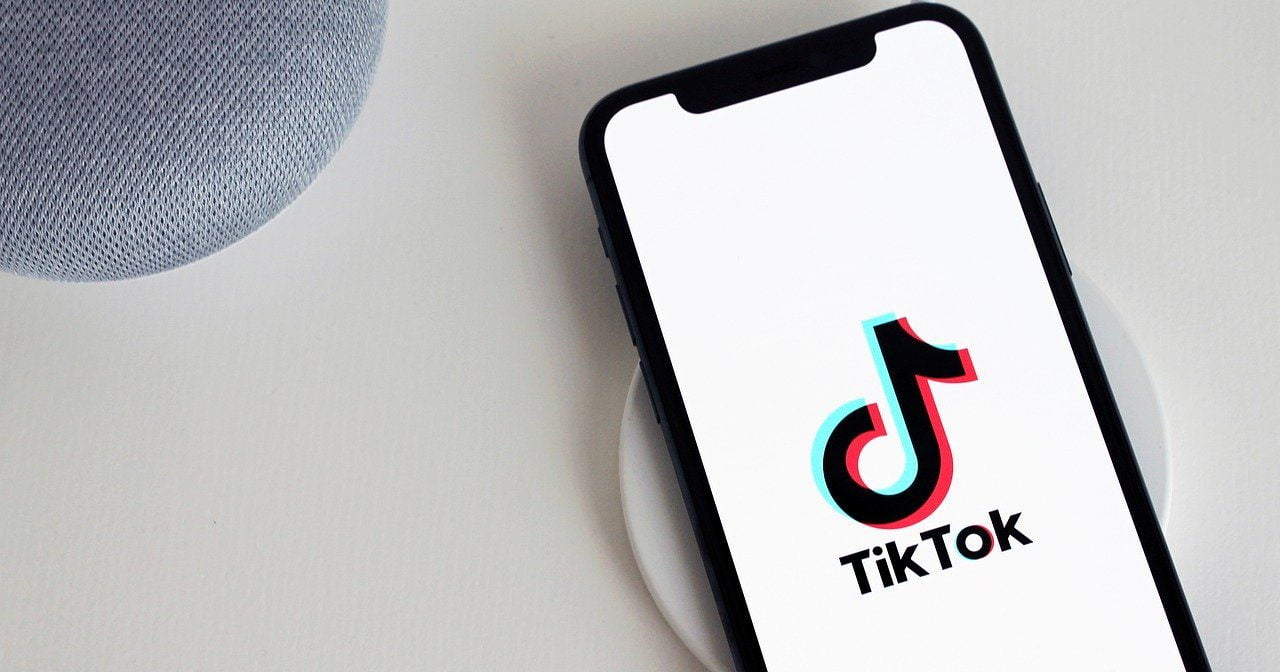 TikTok ban under-16s from private messaging